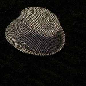 George black/white houndstooth fedora